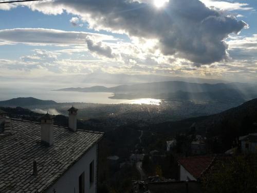 Archontiko Routsou - Makrinitsa Greece