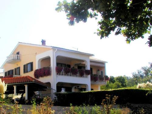 Apartment in Malinska 44