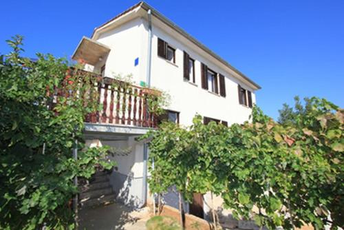 Apartment Sol Realis 1