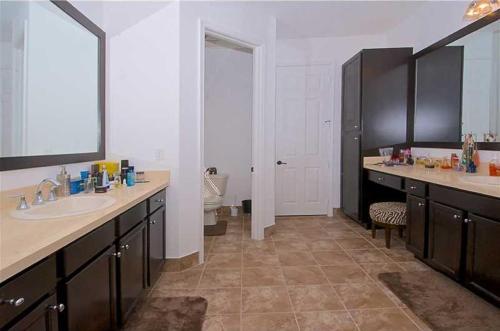 Beverly Hills 2 Bedroom Home