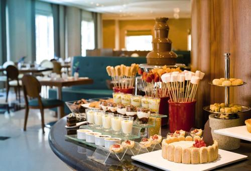 AVANI Deira Dubai Hotel photo 6