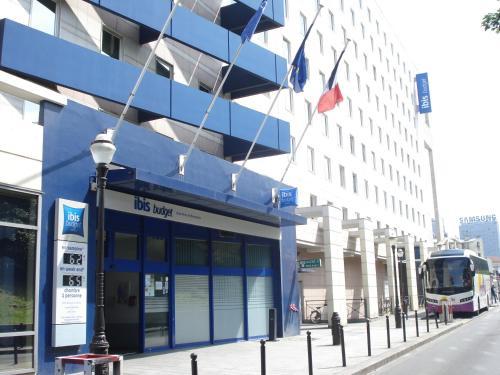 Ibis budget paris porte de montmartre saint ouen france overview - Hotel paris porte de saint ouen ...
