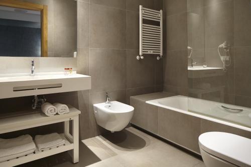 Habitación Doble - 1 o 2 camas Hotel San Prudentzio 20