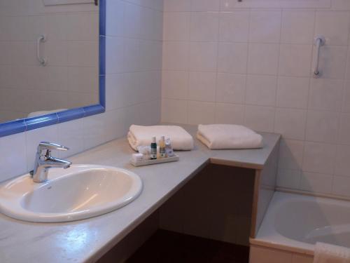 Habitación Doble con vistas al mar Hotel Sant Roc 3