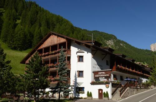 Hotel Casa Alpina - Alpin Haus front view