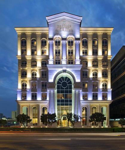 Warwick Doha, Doha