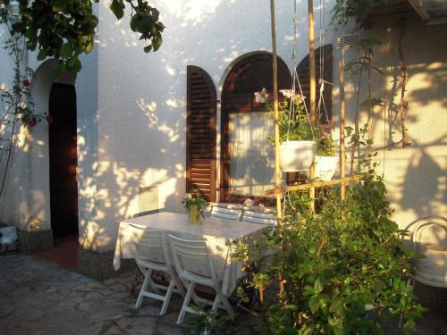 Apartments Ljuba I Mare