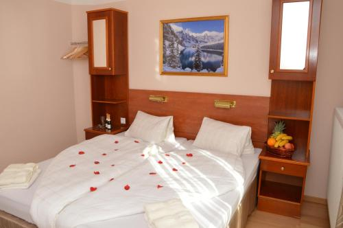 Private Room Pyrkerstra�e