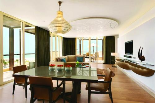 Park Hyatt Abu Dhabi Hotel and Villas photo 31
