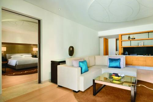 Park Hyatt Abu Dhabi Hotel and Villas photo 35