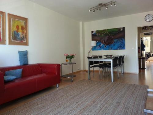 Appartement aan zee oostende ostend belgium overview for Interieur appartement aan zee