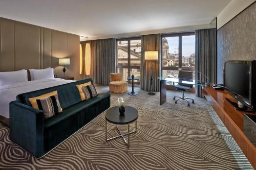 Hilton Berlin photo 18