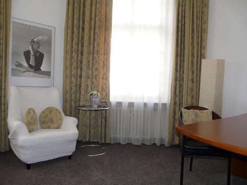 Carlton Astoria photo 22