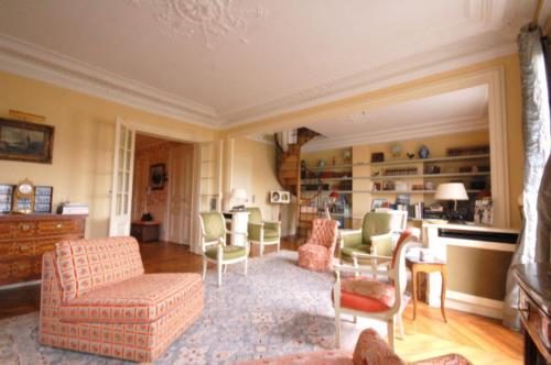 Apartment Champs-Elysées