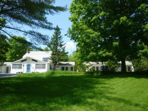 Photo of Arcady At the Sunderland Lodge Hotel Bed and Breakfast Accommodation in Sunderland Vermont