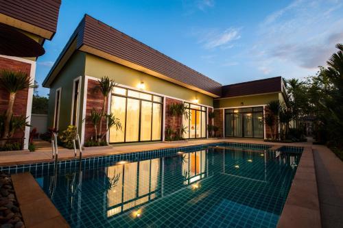 Отель Jinda Resort 2 звезды Таиланд