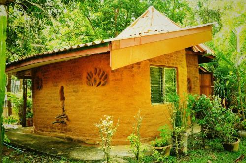 Kaengkrachan Riverside Resort