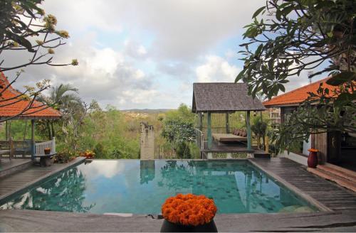 Villa Uma Priyayi front view