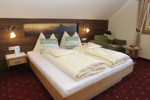 Bio-Bauernhof Samerhof - Apartment mit 2 Schlafzimmern, einem Balkon und Bergblick