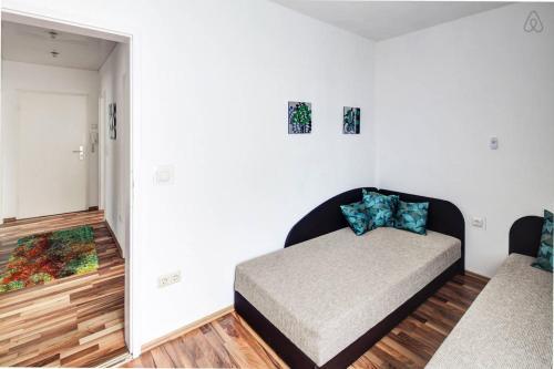 ferienwohnung in augsburg augsburg. Black Bedroom Furniture Sets. Home Design Ideas