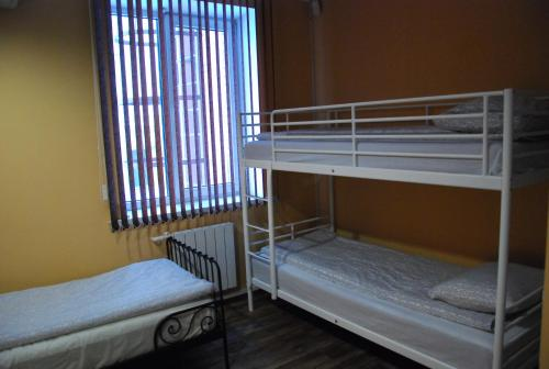 Легло в oбща спалня с 6 легла (Bed in 6-Bed Dormitory Room)