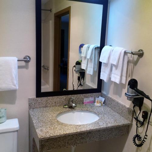 Hotels In Charleston Illinois