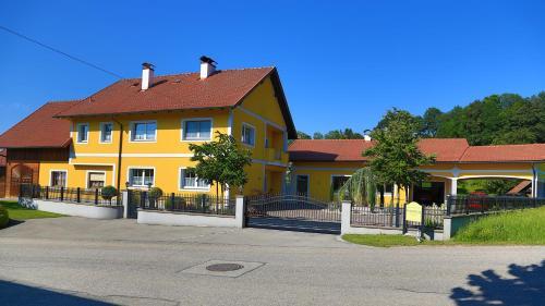 Ferienwohnung Hanetseder, 4702 Wallern an der Trattnach