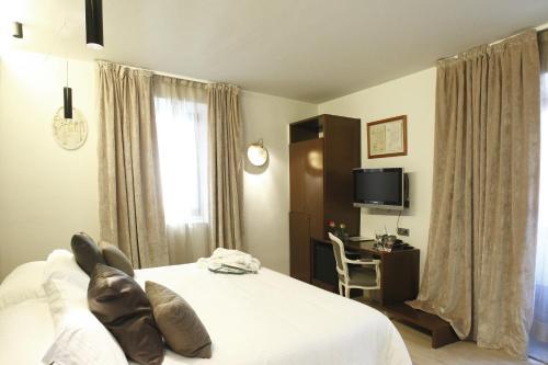 Habitación Doble - 1 o 2 camas Hotel Museu Llegendes de Girona 7
