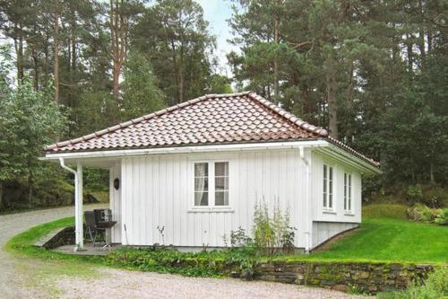 Holiday home in Høvåg