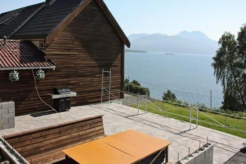 Five-Bedroom Holiday home in Averøy
