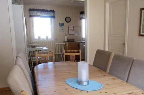 Five-Bedroom Holiday home in Lyngdal