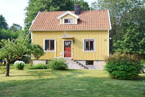 Alle 25 ansehen Two-Bedroom Holiday home in Tving