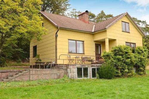 Four-Bedroom Holiday home in Slöinge 1