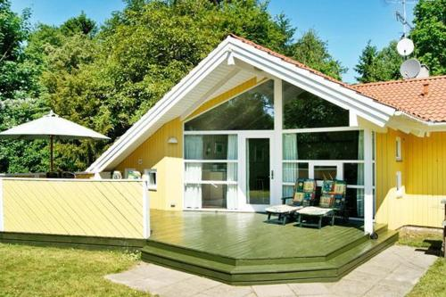 Five-Bedroom Holiday home in Strøby