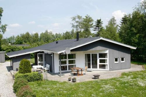 Five-Bedroom Holiday home in Knebel 2