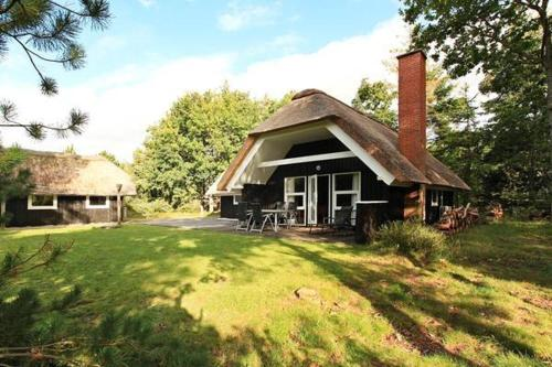 Three-Bedroom Holiday home in Bl�vand 9
