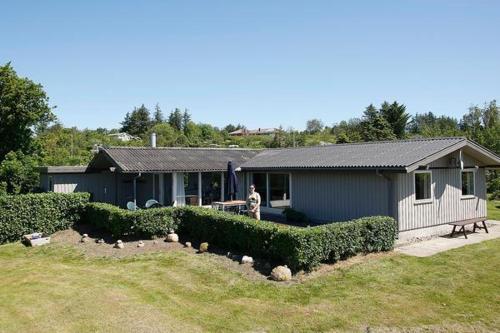 Three-Bedroom Holiday home in Spøttrup 2