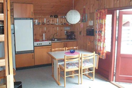 Two-Bedroom Holiday home in Hemmet 8