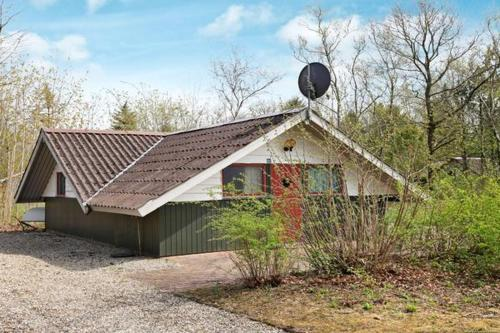 Two-Bedroom Holiday home in Ansager 1