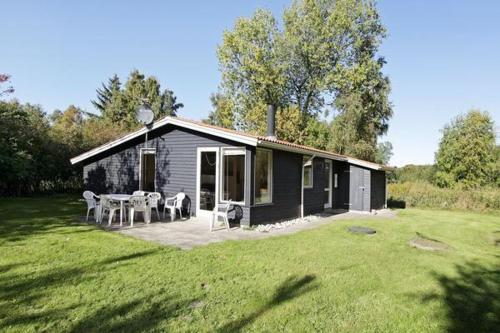 Three-Bedroom Holiday home in Nykøbing Sj 2