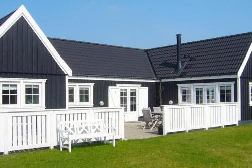 Three-Bedroom Holiday home in Vejby 3