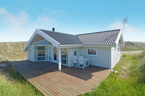 Three-Bedroom Holiday home in Hvide Sande 3