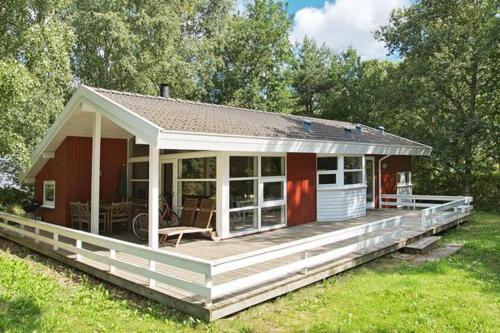 Three-Bedroom Holiday home in Glesborg 10