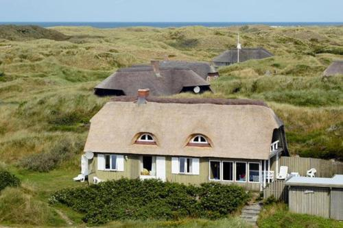 Three-Bedroom Holiday home in Oksb�l 7