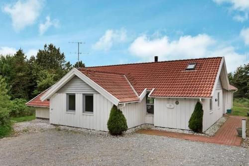 Five-Bedroom Holiday home in Blåvand 10