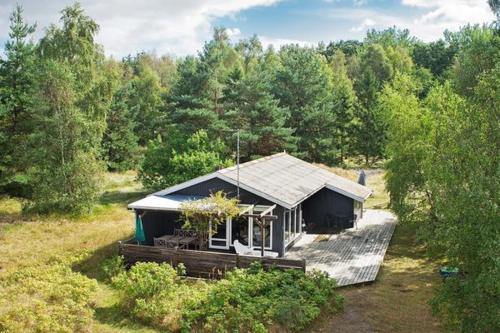 Two-Bedroom Holiday home in Aakirkeby 5