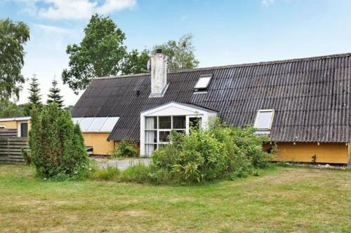 Five-Bedroom Holiday home in Glesborg 3
