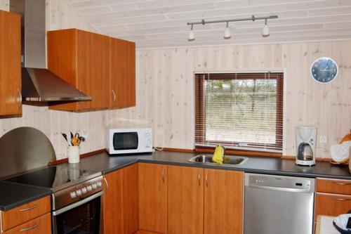 Three-Bedroom Holiday home in Tarm 3