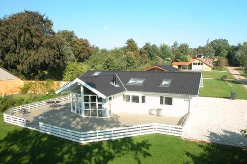 Three-Bedroom Holiday home in Hejls 9