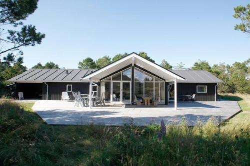 Three-Bedroom Holiday home in �lb�k 10